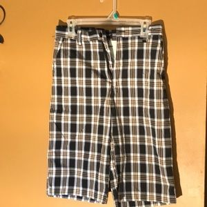 New boys shorts real nice size 16